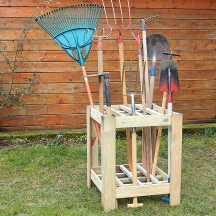 Range outils de jardin en bois